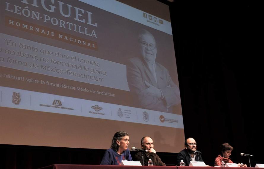 En esta misma mesa titulada Miguel León-Portilla, el Tlamatini, la cual fue moderada por la doctora Aída Castilleja, secretaria Técnica del INAH, participó la periodista e historiadora Ángeles González Gamio.F. M