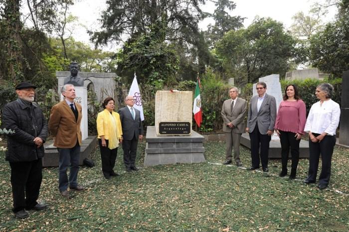 Con homenaje a su fundador, Alfonso Caso, el INAH culmina conmemoraciones por su 80 aniversario. Foto Mauricio Marat. INAH...