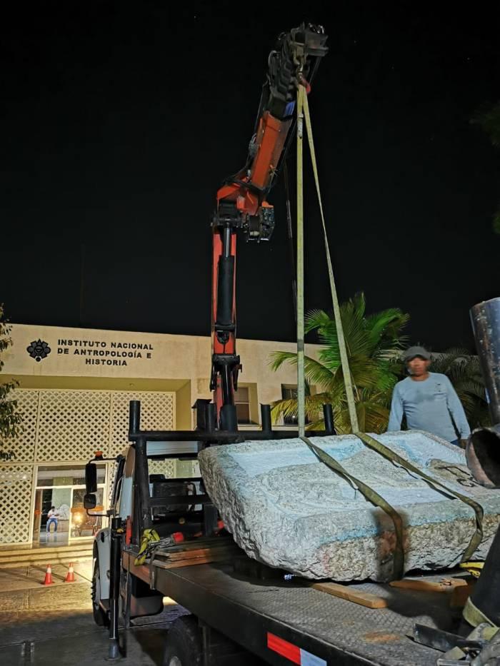 Fue el pasado 18 de febrero cuando el elemento de casi una tonelada de peso, arribó mediante un operativo nocturno a la Sección de Conservación del C.INAH Yucatan